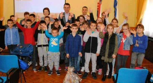 Učenici iz Stankovaca posjetili Dom županije