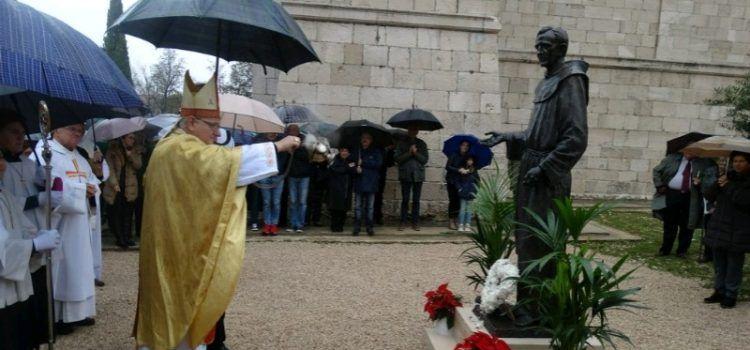 OPĆINA STANKOVCI Otkriven spomenik fra Julijanu Ramljaku