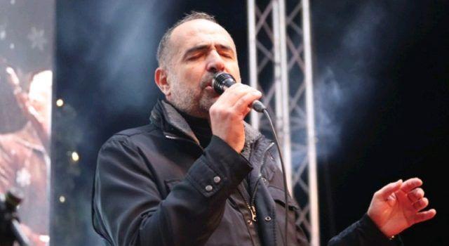 Dražen Zečić održao koncert pred prepunim Trgom u Viru