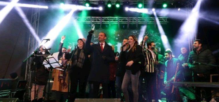 Slavlje i radost u Viru uz koncert, vatromet i konfete