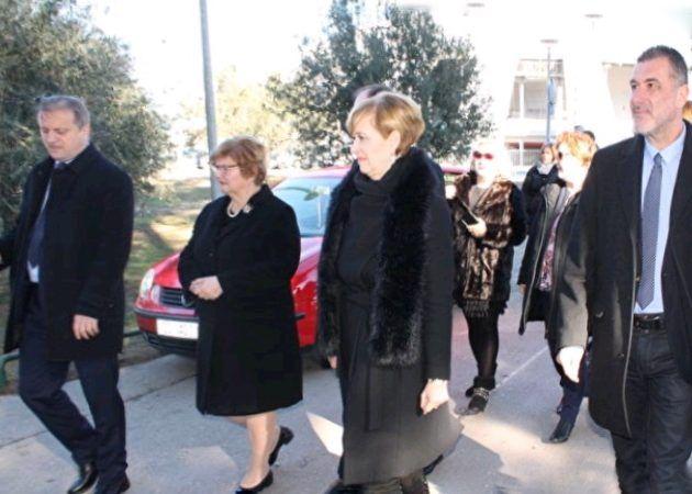 Ministrica Murganić obišla igralište na Višnjiku i dodijelila ugovore vrtićima
