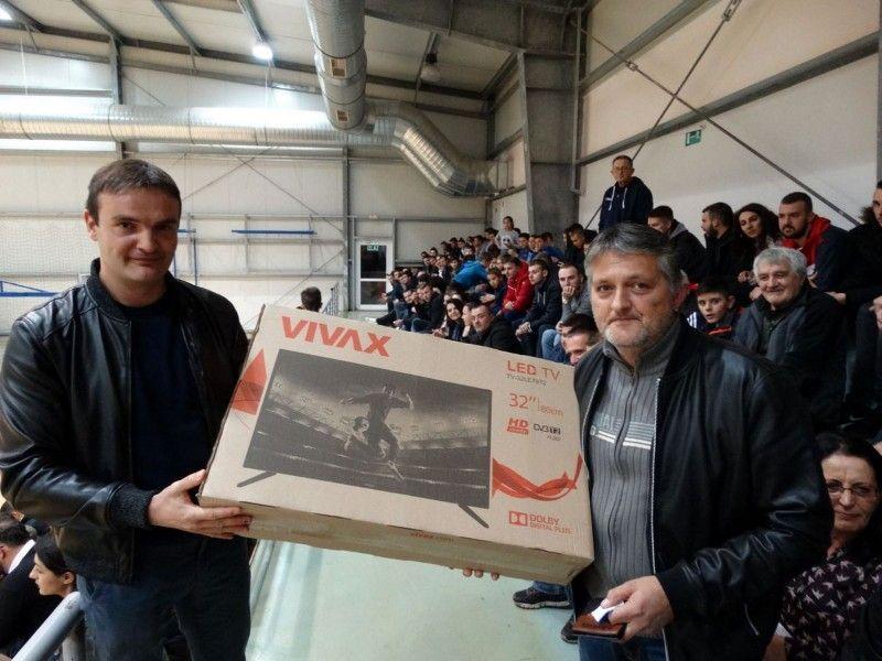glavnu nagradu tombole televizor -dobio je Damir Jurić-800x600
