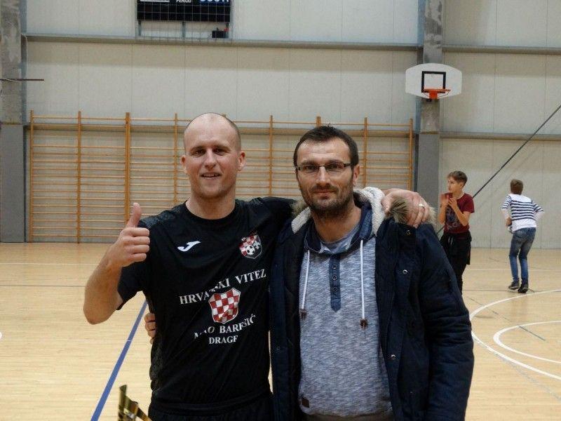 najbolji igrač turnira seniora-dragarski Zinedine Zidane Dominik Stojanov-800x600
