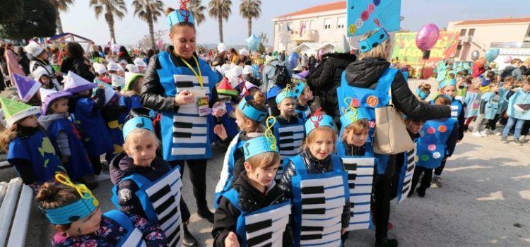 GALERIJA Vir okupiralo oko 1.200 malih maškara iz cijele Zadarske županije