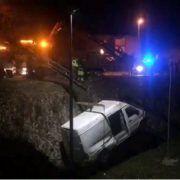 VIDEO Kombi sletio u provaliju kod Višnjika, vozač prevezen u bolnicu