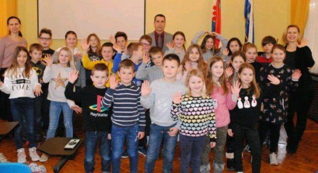 Pročelnik Ivan Šimunić primio u Domu županije učenike iz Dikla