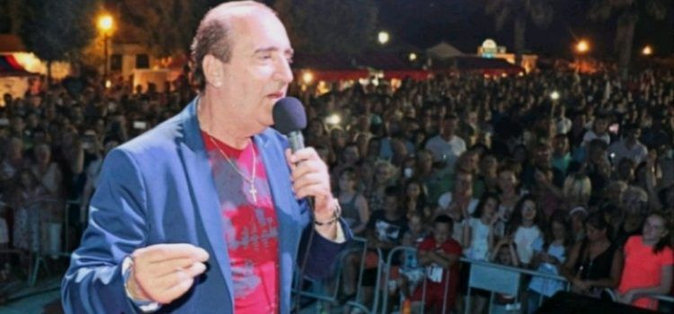 Mladen Grdović pjeva na velikom finalu maškara na Viru