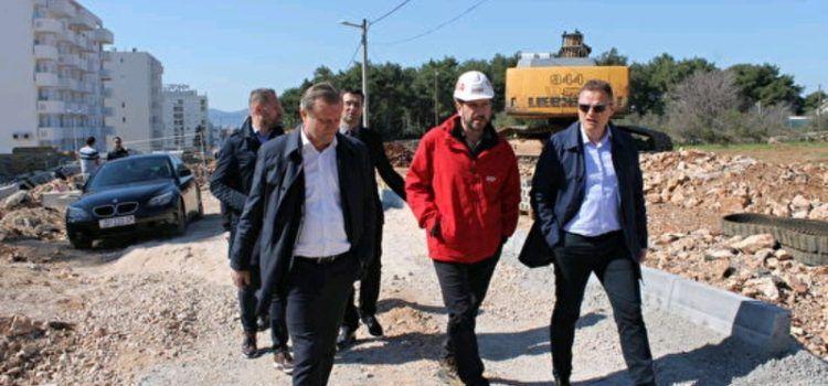 Gradonačelnik Dukić obišao radove na cestama