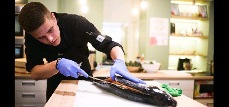 Chef Fabian Šaravanja demonstrirao vještinu pripreme sushija