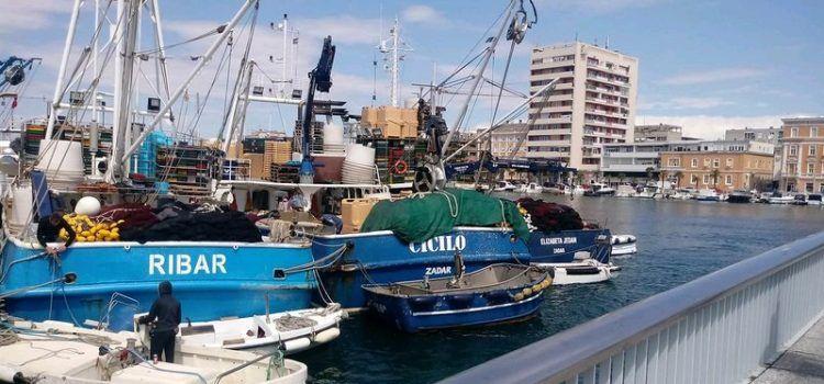 """Prosvjed ribara tunolovaca u Zadru: """"Ugrožena je egzistencija 200 obitelji"""""""