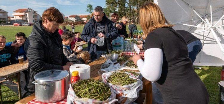 """""""Šparogijada"""" u Privlaci: U jelima od ubranih šparoga uživalo 150 mještana!"""