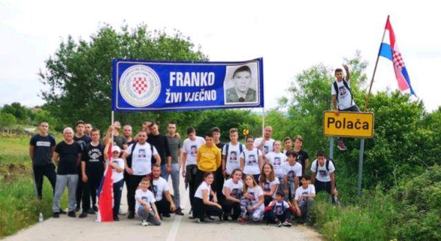 Bibinjci pješačili do Polače i poklonili se Franku Lisici na mjestu pogibije