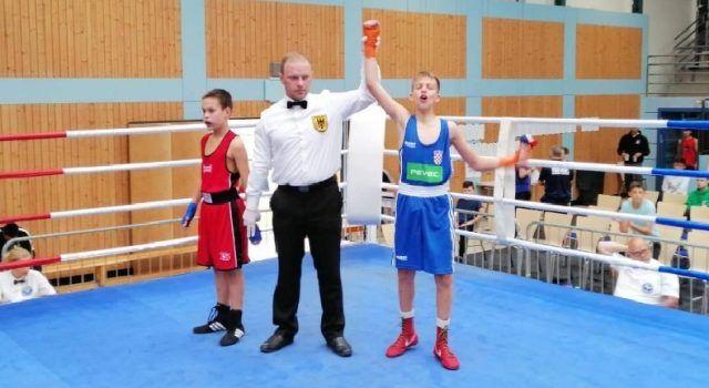 Nikola Marketin s mladim boksačima u finalu Međunarodnog turnira u Njemačkoj