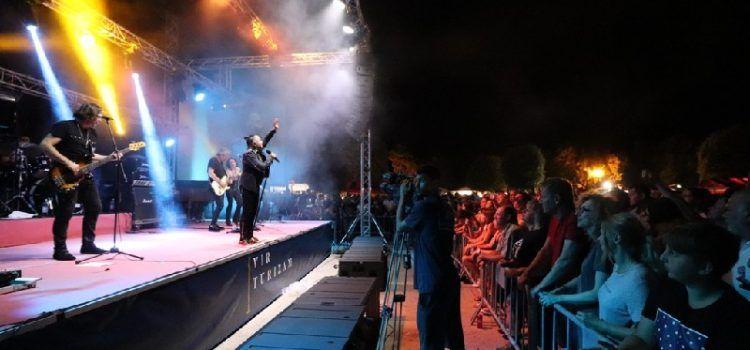 GALERIJA Na prepunoj virskoj rivi koncert održao Parni Valjak