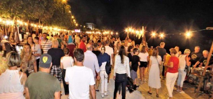 """Tradicionalna """"Noć punog miseca"""" i ove godine okuplja brojne građane i turiste"""