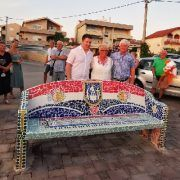U Bibinjama izrađena zanimljiva mozaik klupa – oduševljeni turisti se slikaju!