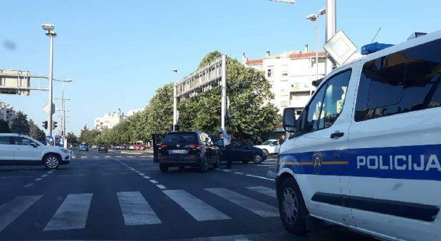 FOTO Prometna nesreća na Bulevaru; U jednom vozilu su bila i djeca