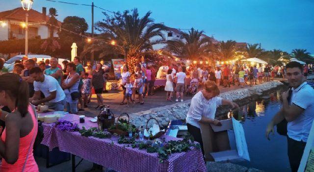 Počeli 'Bibinjski gušti': Tri dana uživanja u domaćim jelima i glazbi