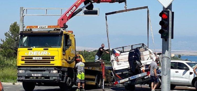 FOTO Sudarila se dva vozila i brod u Ninu