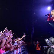 Rita Ora rasplesala i raspjevala publiku u Zadru: Fanovi stigli iz cijelog svijeta!