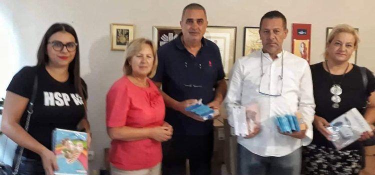 ZA SIROMAŠNE UČENIKE Starčevićanci kupili i donirali bilježnice i školski pribor