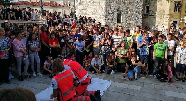 FOTO Više od 200 učenika došlo naučiti kako spasiti nekome život