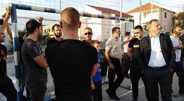 Gradonačelnik sa suradnicima u Mjesnom odboru Gaženica; Razgovarao s građanima