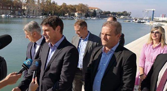 Gradonačelnik obišao punionicu električnih automobila na Branimirovoj obali i novouređenu uvalu Jazine