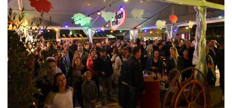 GALERIJA Na Staroj pijaci u sklopu Festivala mesa održani koncert i roštiljada