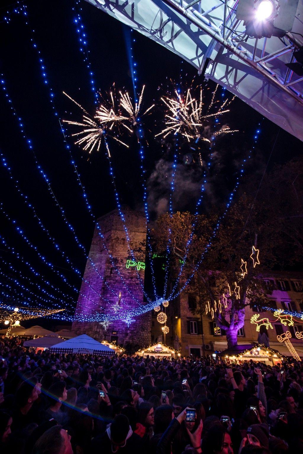 003 Advent u Zadru otvaranje Prljavo kazalište 23.11.2019, foto Iva Perinčić 39 (1)-1024x1534