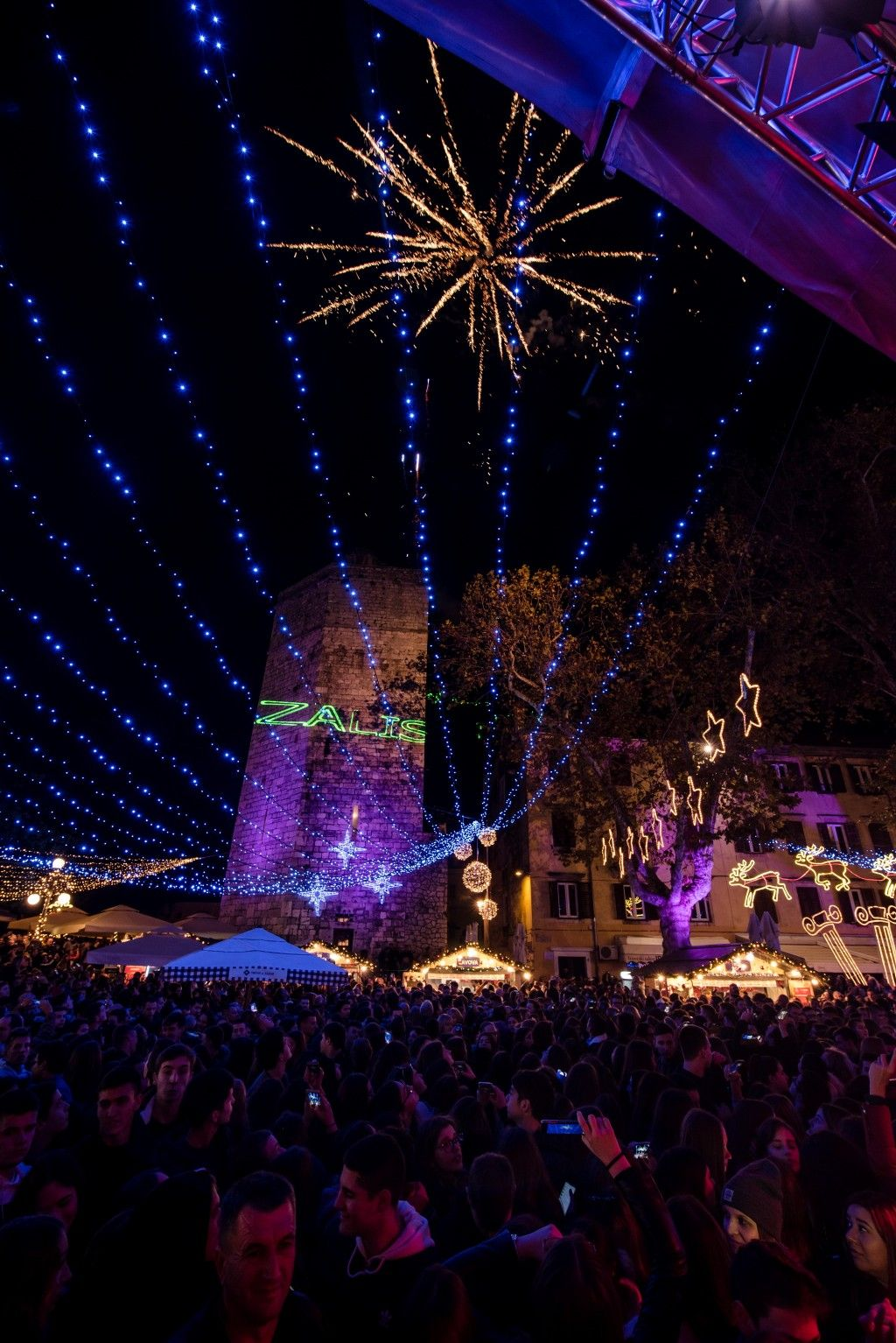 003 Advent u Zadru otvaranje Prljavo kazalište 23.11.2019, foto Iva Perinčić 40 (1)-1024x1534