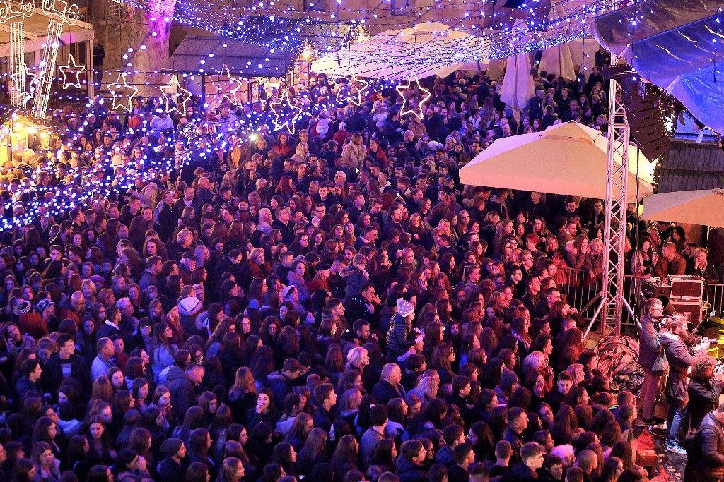 004 Advent u Zadru otvaranje Prljavo kazalište 23.11.2019, foto Fabio Šimićev 19 (1)-1024x683