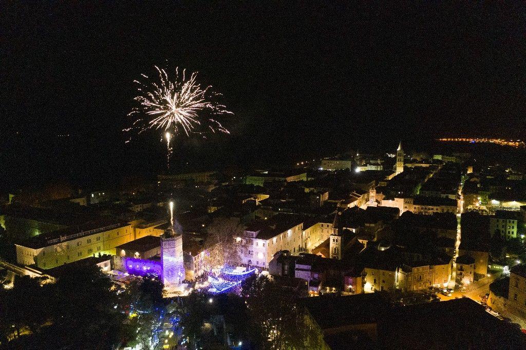 004 Advent u Zadru otvaranje Prljavo kazalište 23.11.2019, foto Fabio Šimićev 32 (1)-1024x682