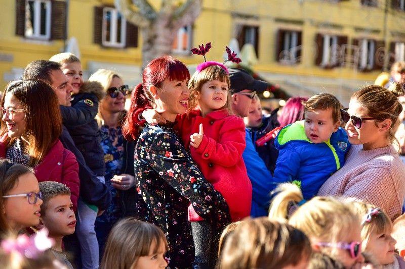 Otvorenje Dječjeg Adventića 30.11.2019, foto Iva Perinčić 08-800x533