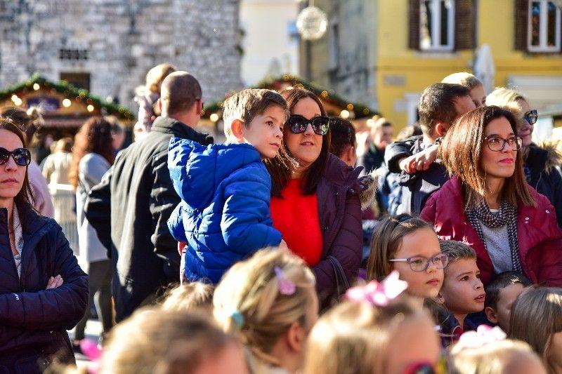 Otvorenje Dječjeg Adventića 30.11.2019, foto Iva Perinčić 09-800x533