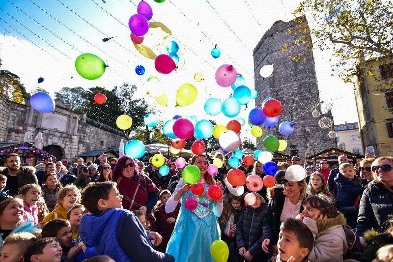 Otvorenje Dječjeg Adventića 30.11.2019, foto Iva Perinčić 49-800x533