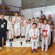 USPJEH Mali karatisti iz Bibinja u 3. kolu Dalmatinske lige osvojili 13 medalja