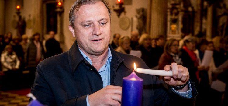 Gradonačelnik Dukić upalio drugu adventsku svijeću