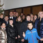 Učenici OŠ Voštarnica okitili jelku u Gradskoj upravi zajedno s gradonačelnikom Dukićem