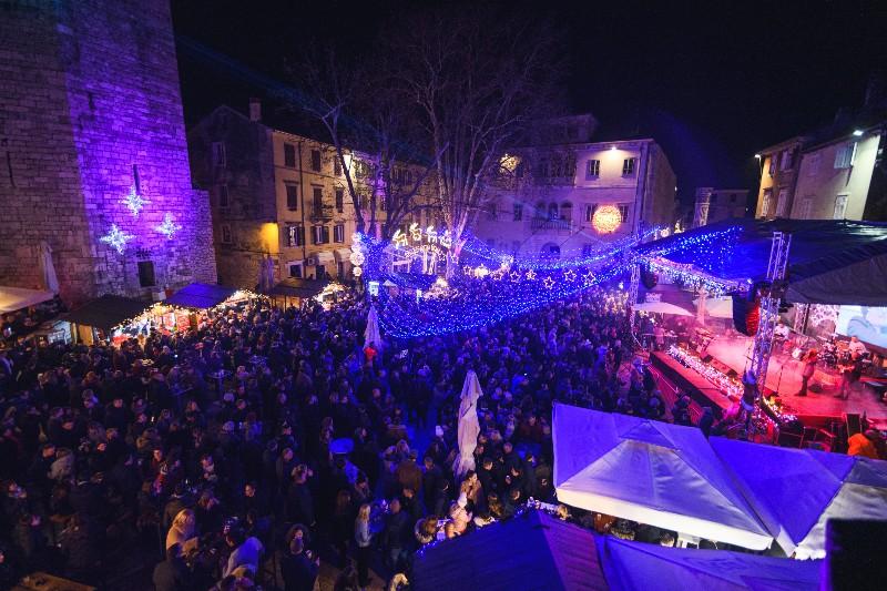023 Doček Nove godine u Zadru 31.12.2019, foto Fabio Šimićev-800x533
