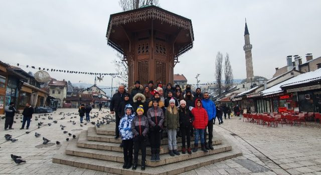 Djeca iz Plivačkog kluba Jadera u Sarajevu se pripremali za nova natjecanja