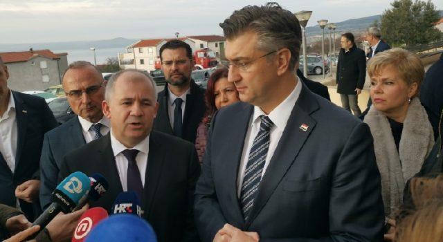 Plenković u Maslenici; Čestitao Baričeviću na uspješnom vođenju općine