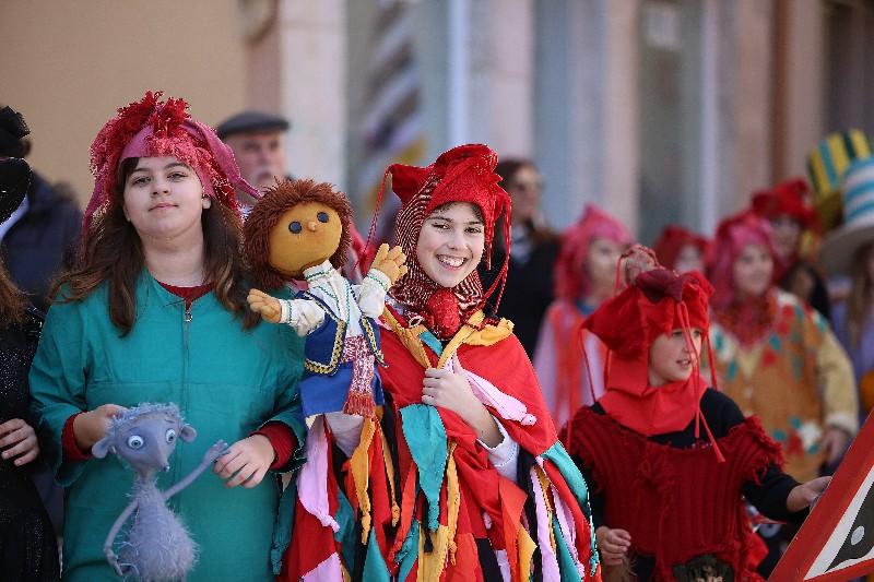 Šareni maskograd dječji karneval na Narodnom trgu 22.02.2020, foto Fabio Šimićev 06-800x533