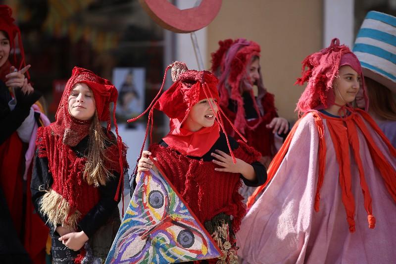 Šareni maskograd dječji karneval na Narodnom trgu 22.02.2020, foto Fabio Šimićev 07-800x533