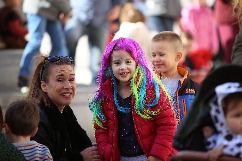 Šareni maskograd dječji karneval na Narodnom trgu 22.02.2020, foto Fabio Šimićev 45-800x533