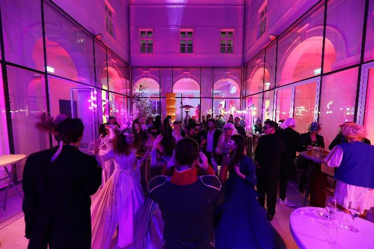 2 Inguracisko-karnevalski bal(in) u Kneževićevoj palači, foto Fabio Šimićev 04-750x500