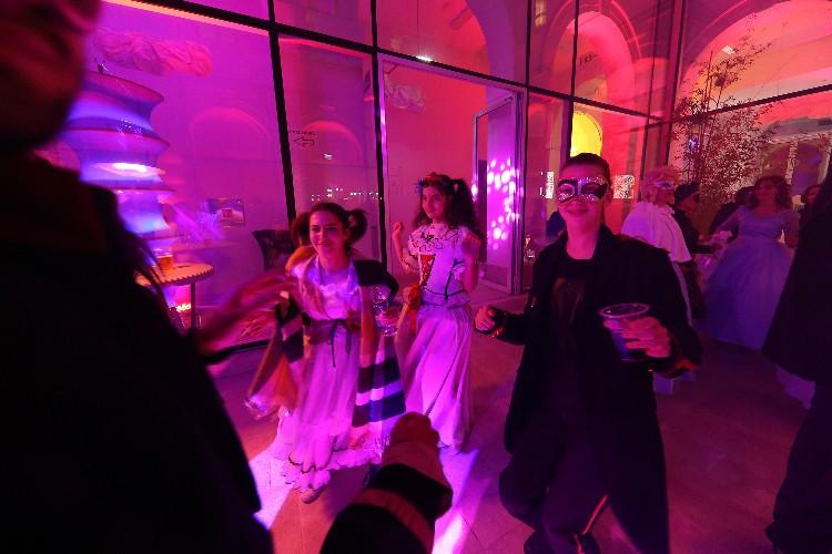 2 Inguracisko-karnevalski bal(in) u Kneževićevoj palači, foto Fabio Šimićev 08-750x500