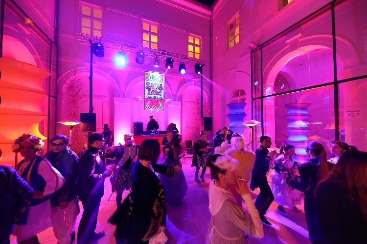 2 Inguracisko-karnevalski bal(in) u Kneževićevoj palači, foto Fabio Šimićev 09-750x500