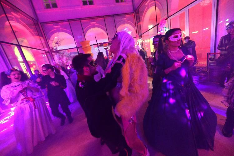 2 Inguracisko-karnevalski bal(in) u Kneževićevoj palači, foto Fabio Šimićev 06-750x500