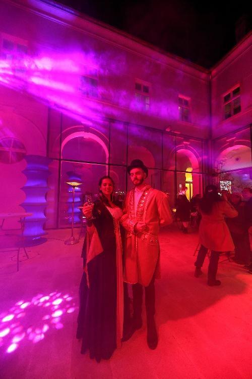 2 Inguracisko-karnevalski bal(in) u Kneževićevoj palači, foto Fabio Šimićev 25-500x750